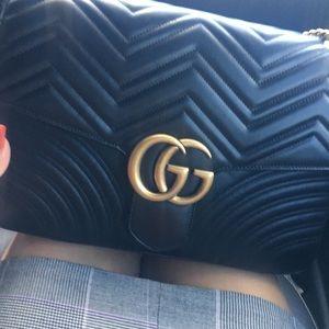 GG Marmont medium matelassé shoulder bag